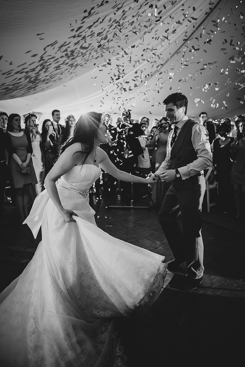 First dance confetti at a wedding in Croyde