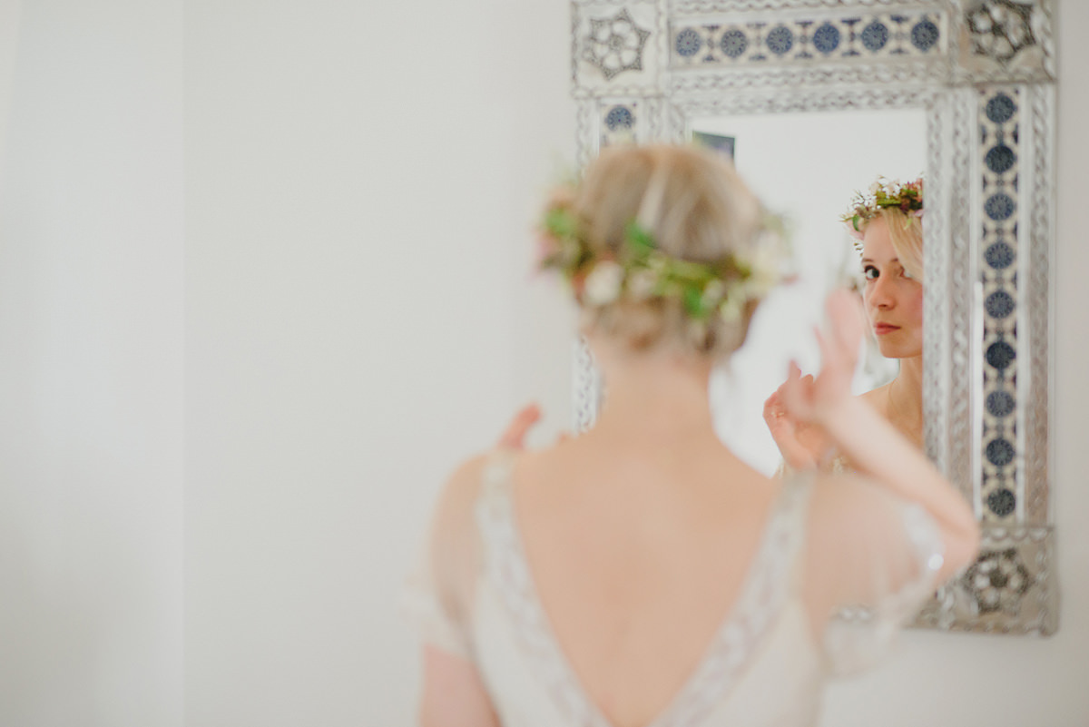Bride getting ready at Anran