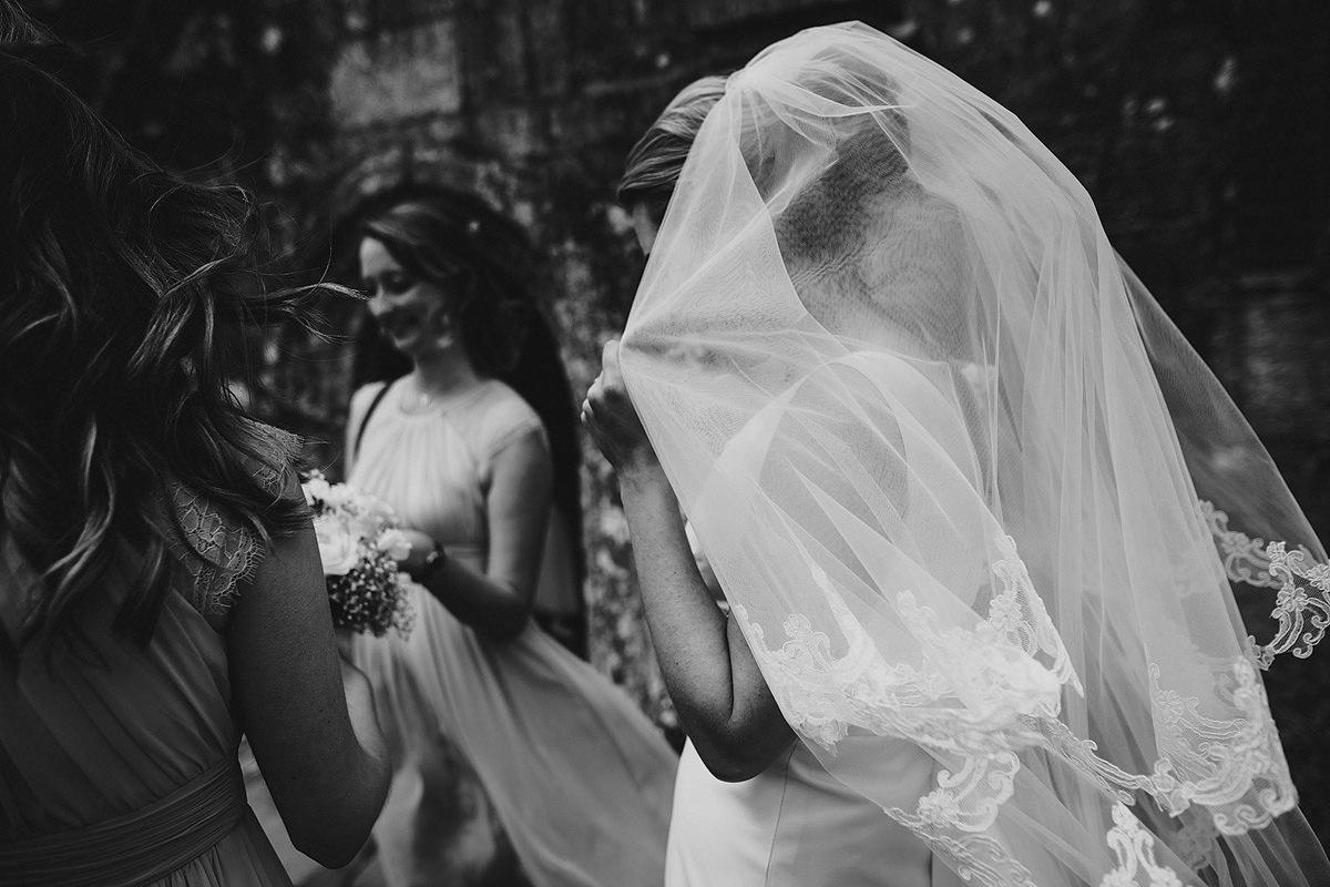 Bride's veil black and white photo