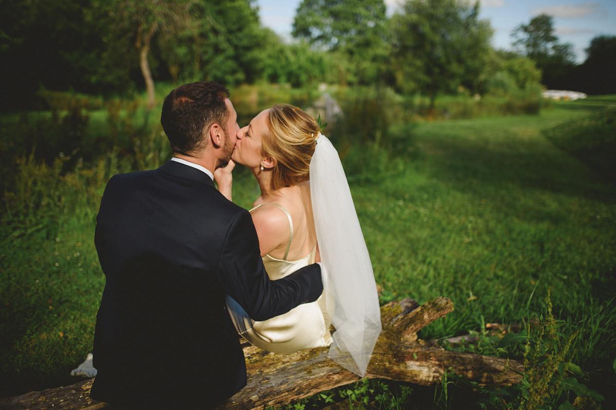 Anran wedding photo by lake