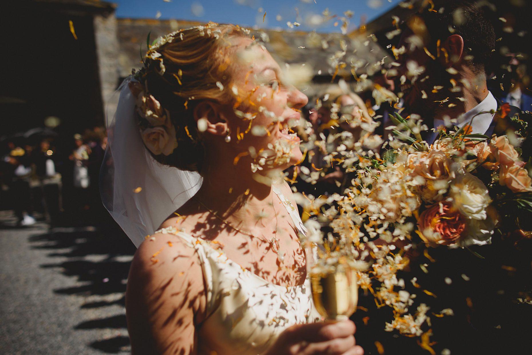 anran devon wedding confetti