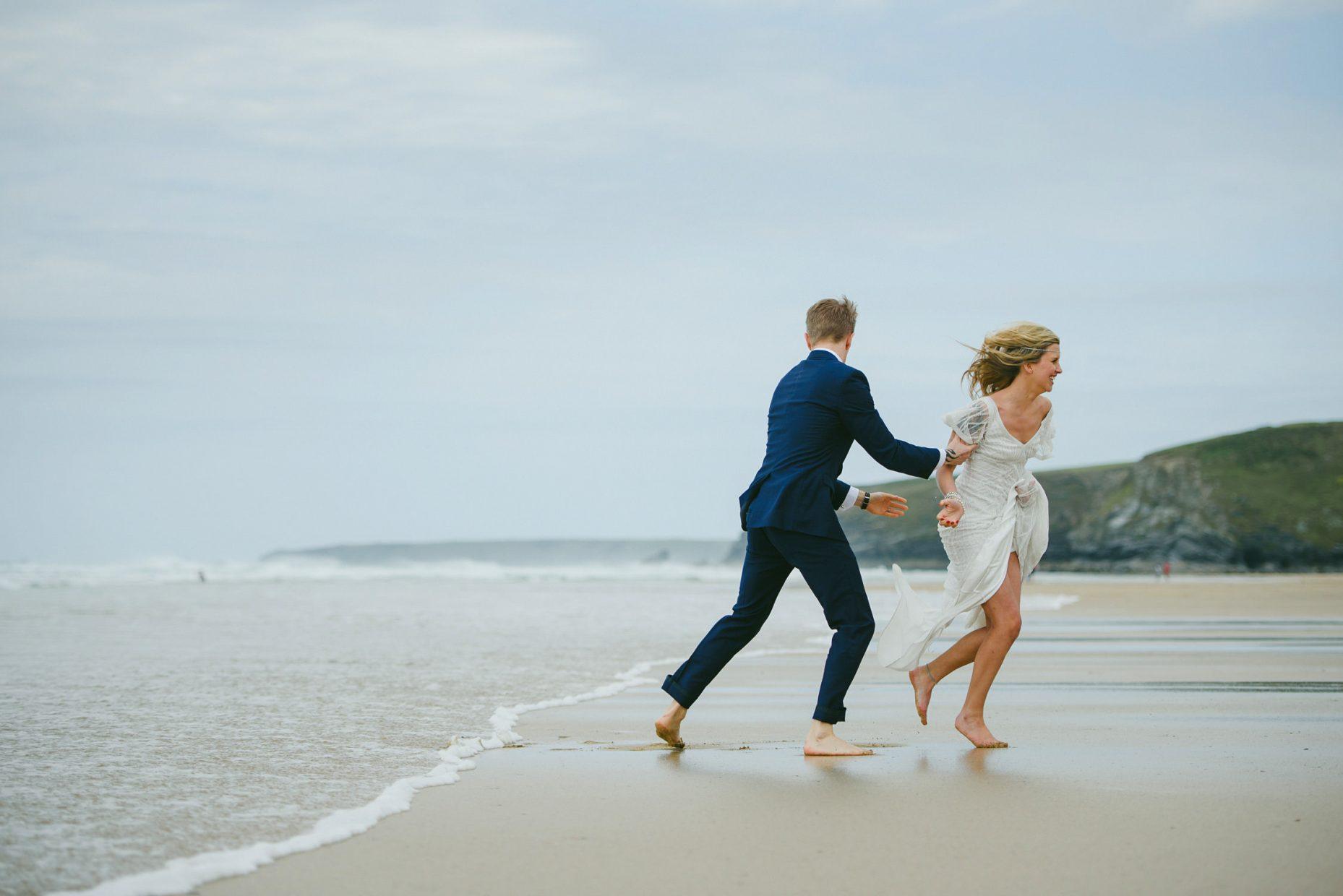 watergate bay beach wedding photography