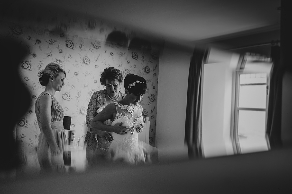 the-green-wedding-photographer-cornwall-010