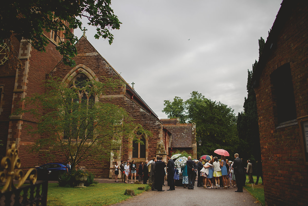 Rainy wedding at Holy Trinity Church in Shrewsbury