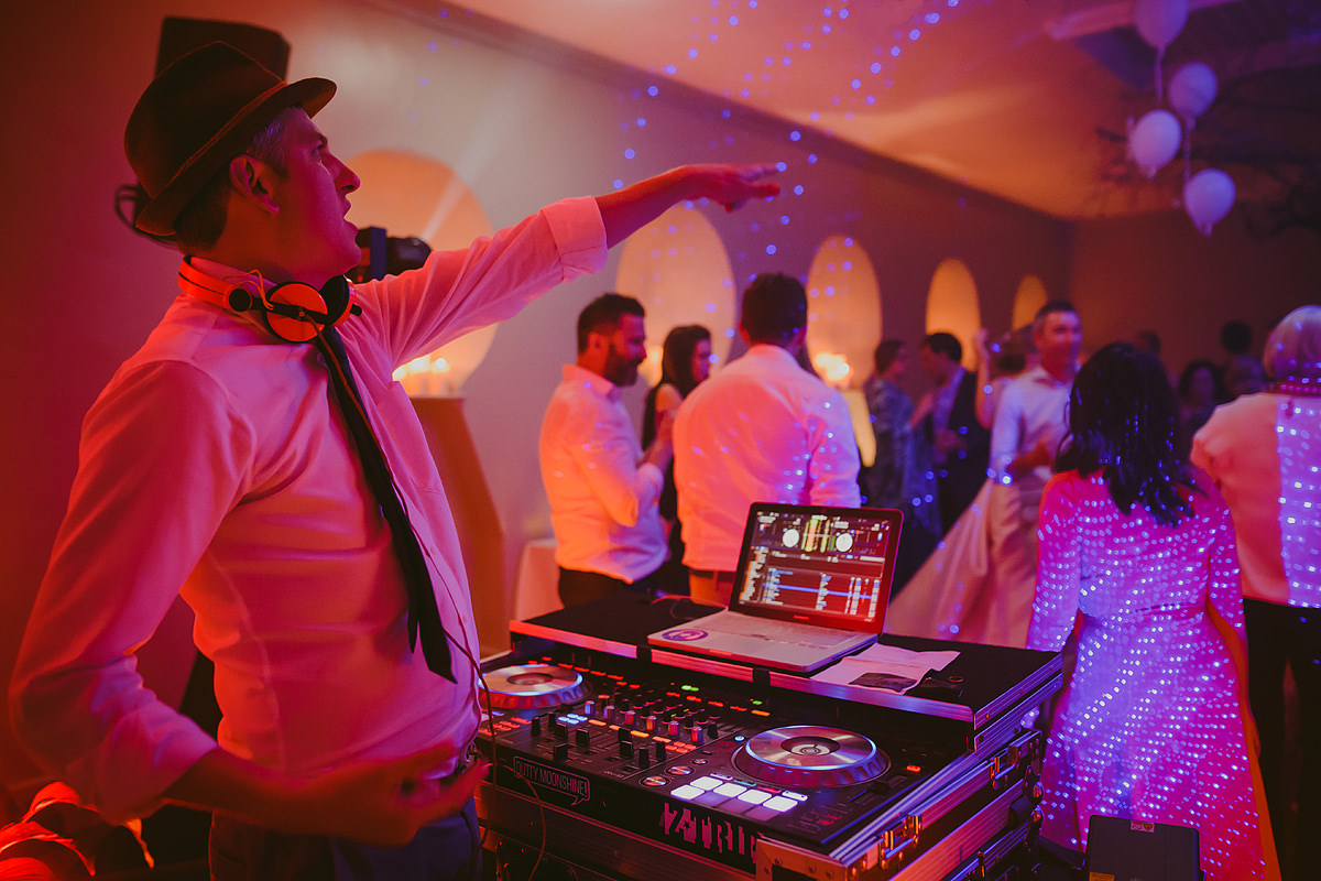 Great DJ at a Hotel Endsleigh Devon wedding