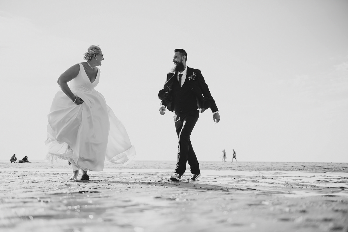 Bride and groom beach wedding in Croyde Devon