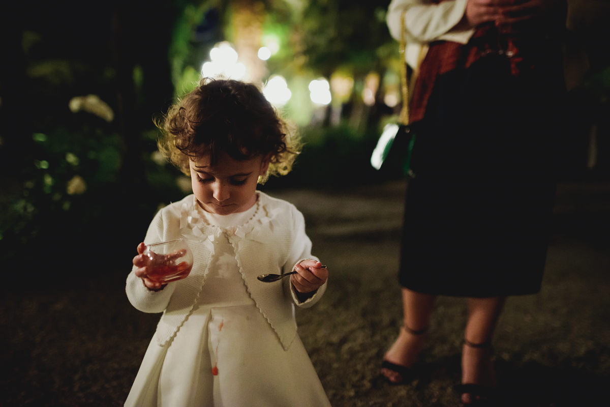 Cute flower girl wedding photo