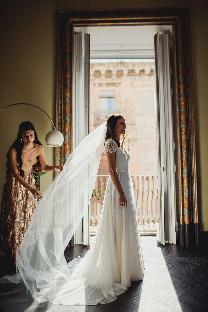 Truvelle bride wedding dress photo